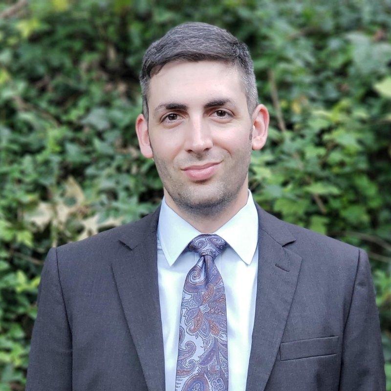 Headshot of the Founder of Corvus Media Solutions, Justin Hansen